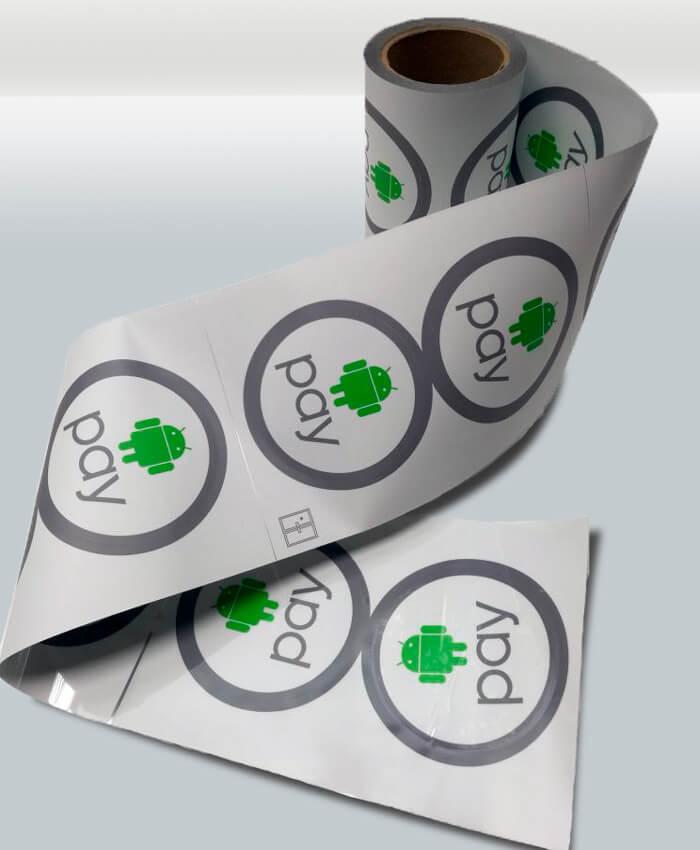 Печать двухсторонних наклеек